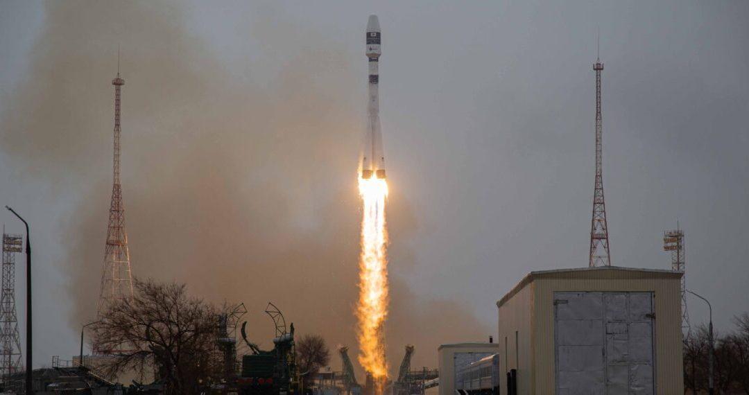 Un Soyuz pieno di satelliti italiani. In orbita anche il primo propulsore di T4i
